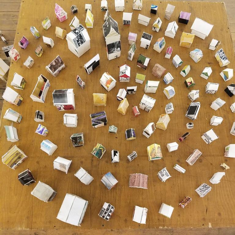 Hamilton, Jen - installation artwork